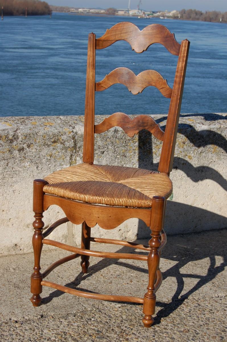 chaise proven ale en noyer de france 38 757. Black Bedroom Furniture Sets. Home Design Ideas