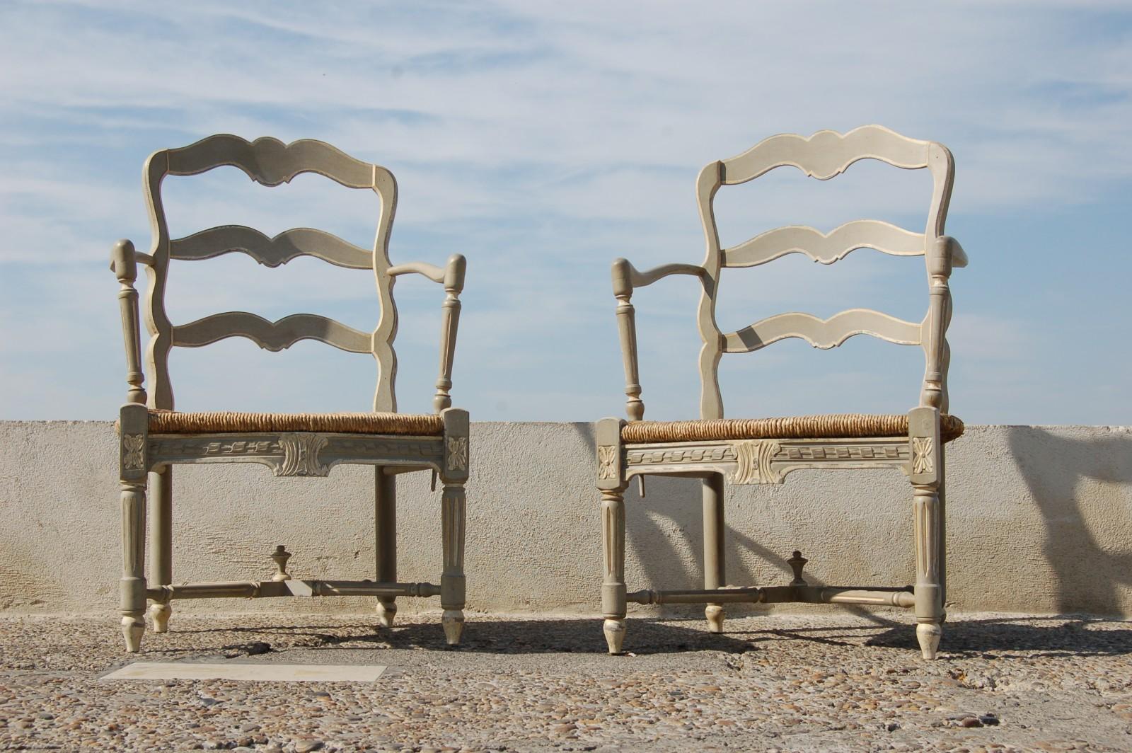 paire de berg res peintes transition louis xv louis xvi 66 547. Black Bedroom Furniture Sets. Home Design Ideas